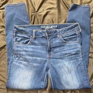 American Eagle Women's light blue skinny jeans